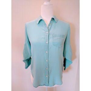 Madewell 💯 % Silk Sky Blue Button Down Blouse